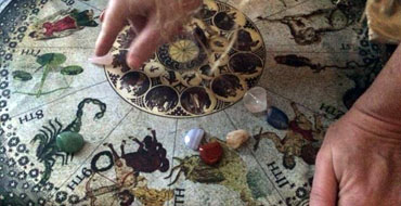 Serpent's Kiss Spiritual Gifts and Crystals - Magick, Spells